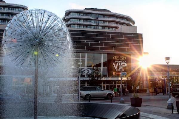 shopping malls toronto
