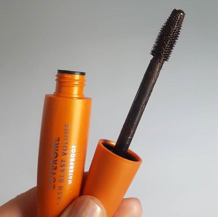 summer sweat proof makeup