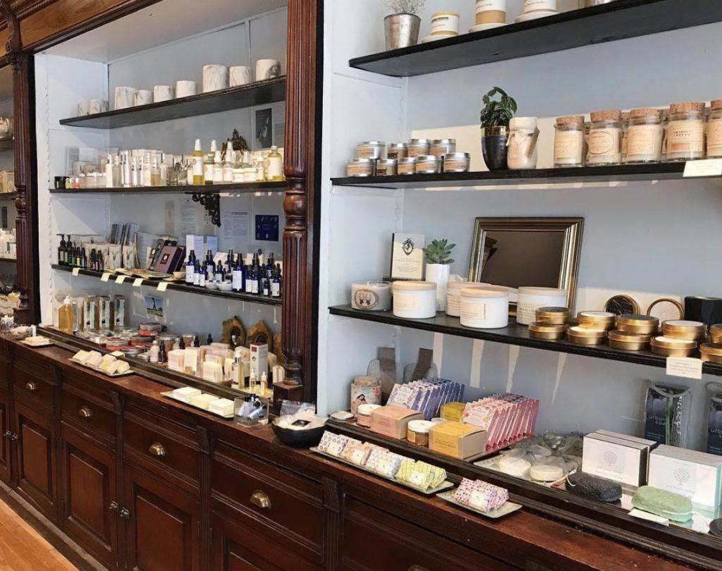 beauty stores online toronto